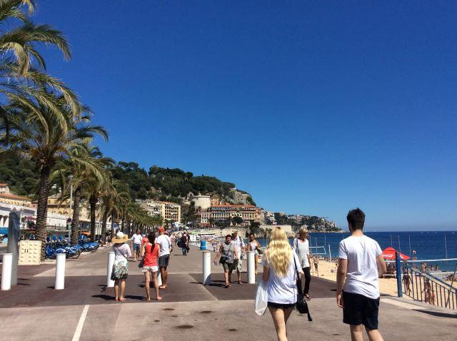 kulkusalla, Promenade des Anglais, esteet, Nizza, Välimeri, miehen matkassa