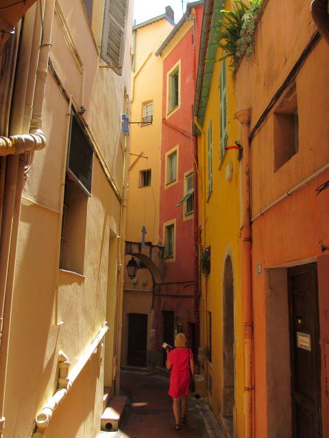 kulkusalla, Nizza, vieille ville, kujat, miehen matkassa